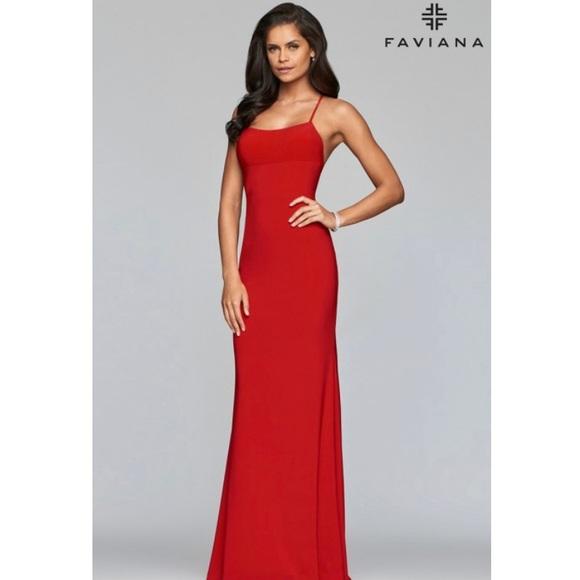 Faviana Dresses & Skirts - Dress